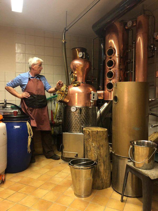 Edelbrände in Bio-Qualität selbst destilliert in der Destille des Heimatvereins Wünnenberg